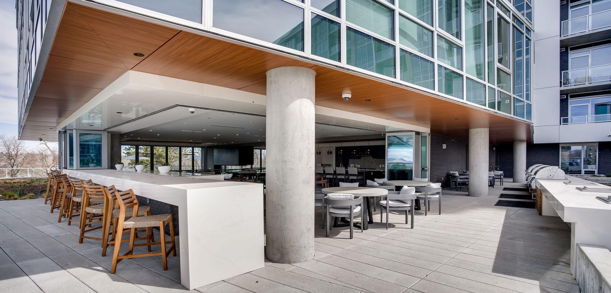 Indoor/Outdoor Dining